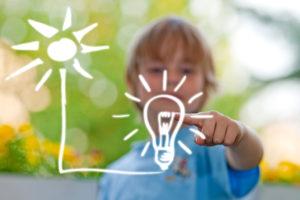 Noch umweltfreundlicher wird eine energiesparende Beleuchtung, wenn sie mit Ökostrom aus erneuerbaren Energien versorgt wird. Foto: djd/LichtBlick AG/panthermedia